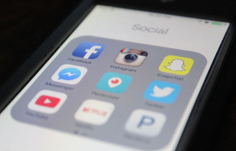 smartphone apps with snapchat